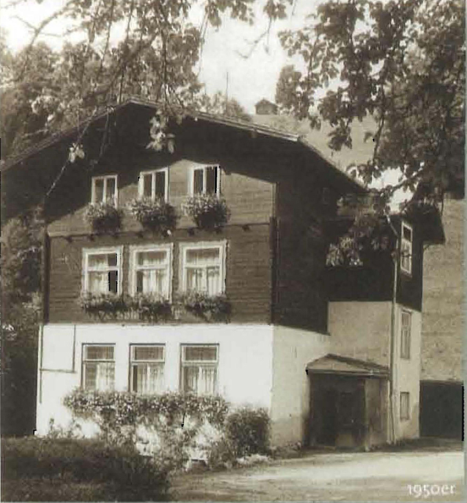 Volksschule in Thumersbach